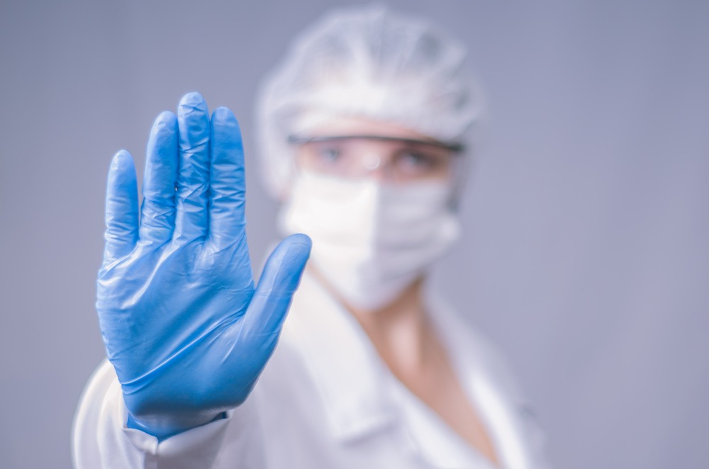 Como o tratamento fitossanitário combate a proliferação de pragas?
